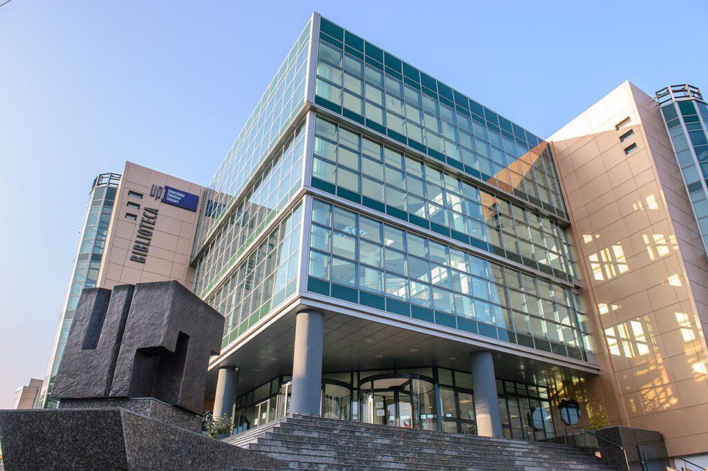 Biblioteca UPT